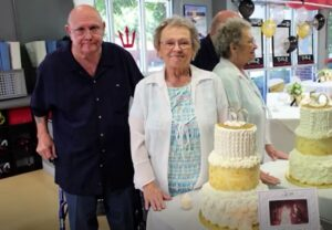 Read more about the article Couple Married For 53 Years Die Holding Hands